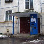 В Великом Новгороде бабушка выбросила внука в окно