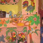 Фотофакт: девушка украсила скромный дом своей приемной мамы африканскими мотивами
