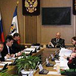 Скандал: глава поселения в Новгородской области проголосовала за пятерых жителей
