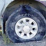 Инспектора ГИБДД в Великом Новгороде вновь стреляли по колёсам