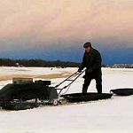 Под  Великим Новгородом под лёд провалилась мотособака