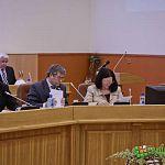 Антон Земляк: «Мы расплодили чиновников в великолепных особняках»