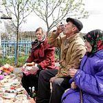 В Радоницу возникла давка в автобусах, идущих на новгородские кладбища