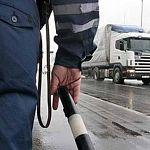 Пассажир новгородского автобуса позвонил в ГИБДД: «Кажется, наш водитель навеселе»