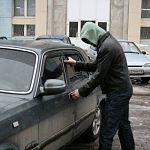 В Великом Новгороде владелец угнанной машины спохватился на третий день