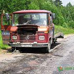 Фотофакт: на маловишерской дороге сломался эвакуатор