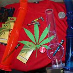 Из магазина на улице Свободы конфискованы товары с наркотической символикой