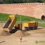 Фотофакт: на кремлёвский пляж подкинули песочку