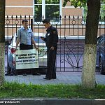 В Великом Новгороде прошла серия одиночных пикетов в защиту директора «ДЭП-77» Игоря Иванова