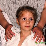 Сестры милосердия стали крестными мамами для многодетной семьи из Сольцов