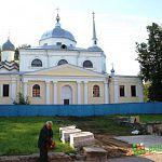 Фотофакт: к церкви Никиты Мученика начали мостить дорогу