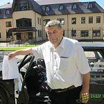 Пропали транспаранты новгородца, два месяца пикетирующего офис «Славянбанка»