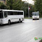 В Великом Новгороде водитель автобуса прищемил женщину дверями и выронил на проезжую часть