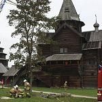 Пожарные спасали новгородские «Витославлицы» от молнии, ударившей в церковь по легенде