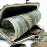 Руководитель пестовской стройфирмы платил подчинённым меньше минималки