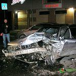 Ночью возле рынка в Великом Новгороде вдребезги разнесли BMW