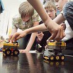 Новгородские школьницы создают роботов