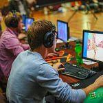 Турнир по киберспорту в минувшие выходные собрал порядка 200 геймеров