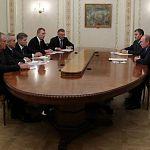 Путин вручил служебные удостоверения губернаторам, избранным 14-го октября