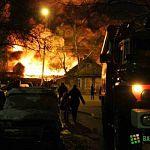 Пожар на стройбазе в Великом Новгороде локализован, тушение огня продолжается