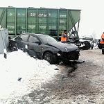 В Пестове иномарка столкнулась с товарным поездом