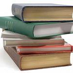 100 книг из перечня Минобрнауки школьники могут не читать, но в библиотеках они быть должны