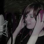 Новгородка победила в эфире программы «Народный продюсер» на «Маяке» с песней «Хрюшенькины сапоги»