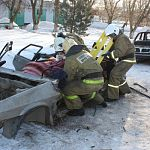 Новгородские сотрудники МЧС соревновались в спасении пострадавших в ДТП