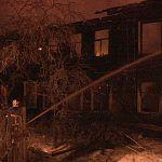 В Большой Вишере сгорел двухэтажный дом. 12 семей остались без жилья