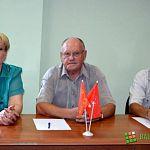 Эсеры выдвинули кандидатом в мэры Евгения Кузикова, коммунисты участвовать в выборах градоначальника не планируют