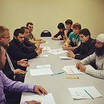 Представители разных национальностей встретились в Великом Новгороде за круглым столом