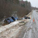 В Псковской области разбился микроавтобус, ехавший из Великого Новгорода на Украину