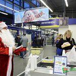 Новгородцы отдали долги Деду Морозу-приставу в «Ленте»
