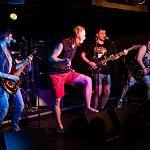 Новгородская рок-группа дала жару парижанам