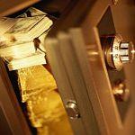 Направлено в суд дело о краже долларов и фунтов стерлингов из сейфа бизнесмена в Новгородской области
