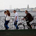 Автор видеогида «Каникулы по расчёту» приедет в Великий Новгород на велосипеде