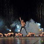 «Искусители» снова привезли в Великий Новгород шоу под дождём «Дышу тобой»