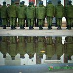 Армейские новинки: новгородцы уходят на службу с персональными картами и гигиеническими наборами