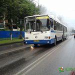 Центр города встал в «пробке»: в автобусе №6 предположительно загорелся моторный отсек