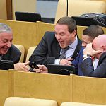 Несколько депутатов Госдумы предложили отпугивать любителей фастфуда устрашающими картинками