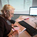 Средний работающий пенсионер в Новгородской области оказался женщиной