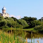 Баня и пруд возле церкви Спаса на Нередице принадлежат петербургскому филологу