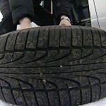 Приставы во время рейда в Великом Новгороде арестовали машины и колёса