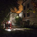 В заброшенном военном госпитале на Гзени в очередной раз произошёл пожар