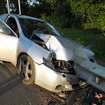В Чудовском районе водитель иномарки погиб, врезавшись в отбойник
