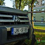 Фотофакт: гости города врезались в ограждение рядом с «Домом советов»