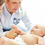 В Новгородской области впервые начнут платить по 100 тысяч рублей усыновителям