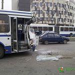 Фотофакт: на Ломоносова  два автобуса столкнулись на остановке