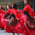 Стихи Омара Хайяма, русские частушки и африканские пляски ждут новгородцев в День народного единства