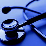 В Новгородской области фельдшер не госпитализировал трёхнедельную девочку, и она умерла